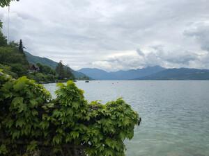 Badeplatz Seezugang Steinwand Bild 2